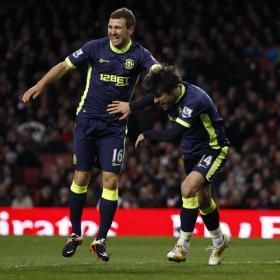 Wigan sorprende al Arsenal y se aferra a la salvación