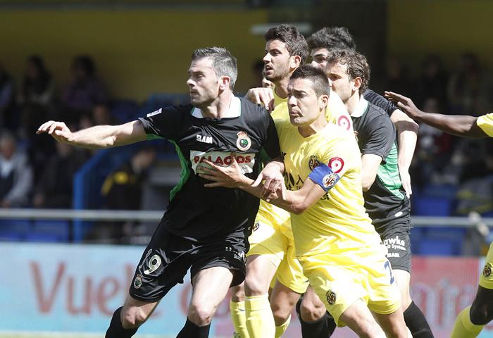 Acosta recuerda el porqué de su situación al Villarreal