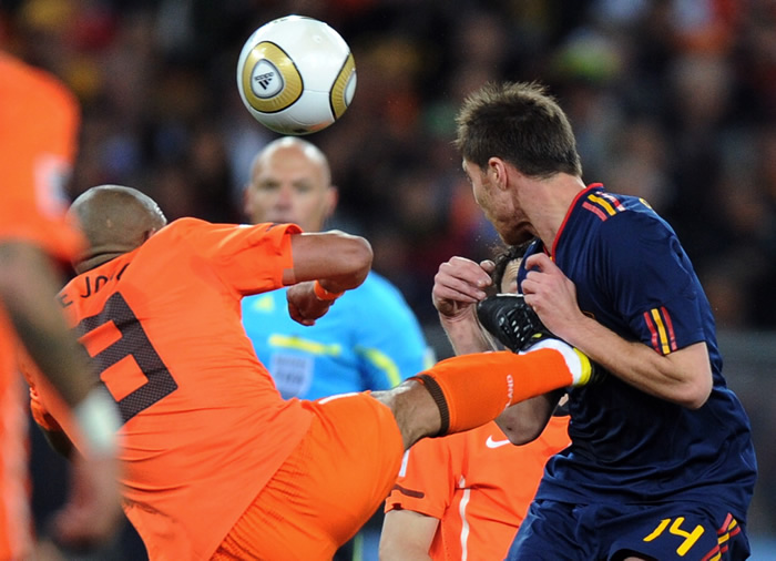 Webb: expolicía y un árbitro de garantías para Mourinho