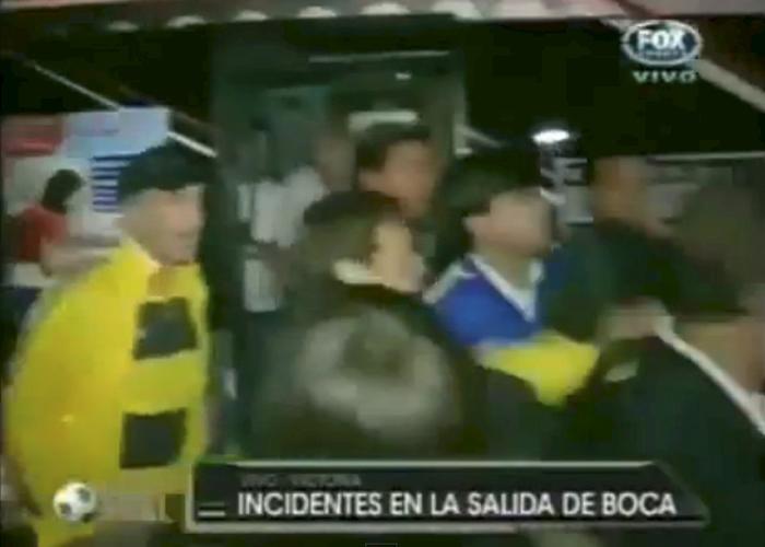 Silva se rompió la mano al agredir a un hincha de Tigre