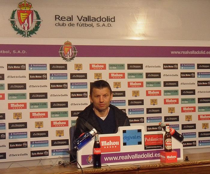 """Djukic: """"Me extraña que no pongan el partido el 6 de junio"""""""