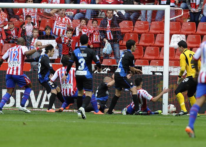 El Sporting sigue vivo en medio del caos del Rayo