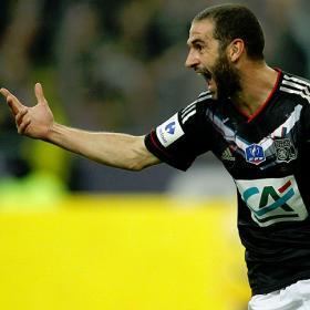 Lisandro da la Copa al Lyon