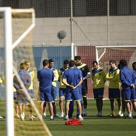 """Arenga en el vestuario amarillo: """"Si ganamos en Gijón... salvados"""""""