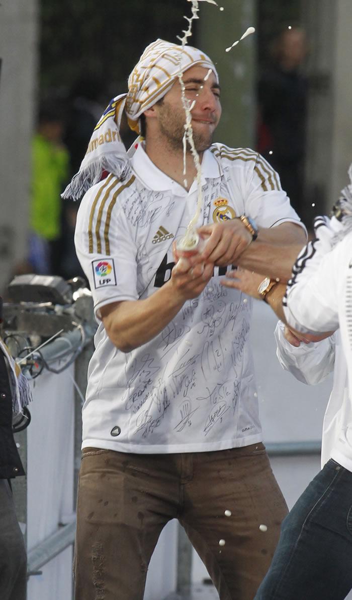 """El Madrid no oye ofertas: """"Higuaín no está en venta"""""""