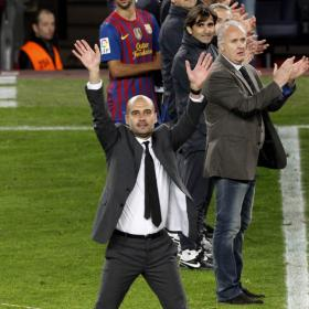 El adis de Guardiola agita  el palco del Camp Nou