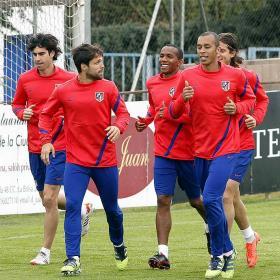 300 aficionados, en el entrenamiento del Atlético