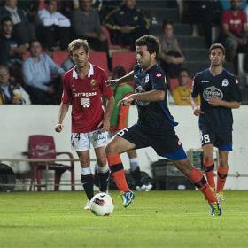El Deportivo pone rumbo a Primera con sufrimiento