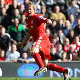 Dirk Kuyt deja el Liverpool y ficha por el Fenerbahce