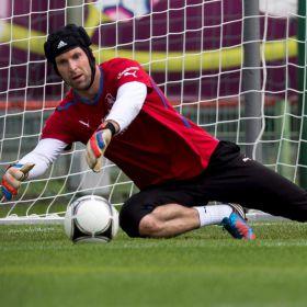 """Cech: """"Tras el mal comienzo, debemos ir a por el partido"""""""