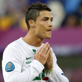 1339617583 120491 1339617687 noticia normal Cristiano Ronaldo on Messi jibes from Denmark fans: This time last year, he was out the Copa America.