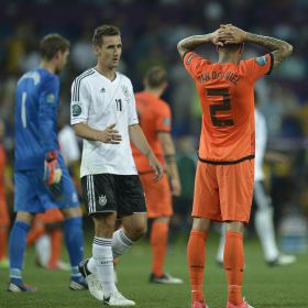 Mario Gmez dispara a Alemania y hunde a Holanda