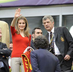 Adidas rectificará el fallo en el escudo de la selección española