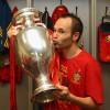 Iniesta desmiente que vaya a donar la prima de la Eurocopa