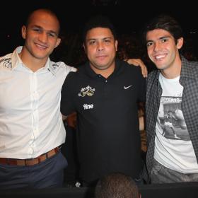Kaká pasó con Ronaldo su 52º día de vacaciones