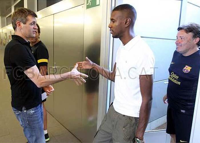 Abidal ha visitado esta mañana a los jugadores del Barça