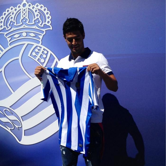 La Real Sociedad anuncia el fichaje de Carlos Vela