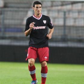 El Athletic pierde ante el PSV y Aduriz se lesiona