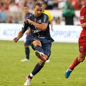 Ibrahimovic brilla en su debut con el PSG y marca un golazo