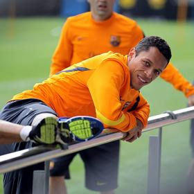 Adriano hace parte del entrenamiento con el grupo