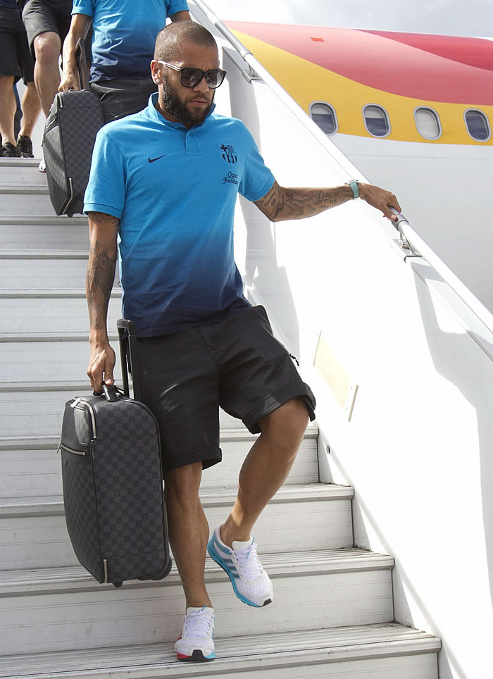 Alves se resiste a firmar la paz con Mourinho