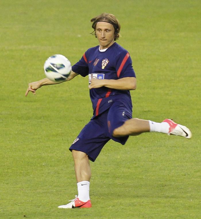 Modric aguarda en Split el acuerdo con el Madrid