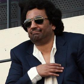 Al-Thani reaparece en una red social con un &quot;felicidades&quot;