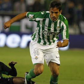 El Betis acelera para recuperar a Santa Cruz