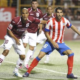 El Athletic ya negocia con Raúl García y Monreal