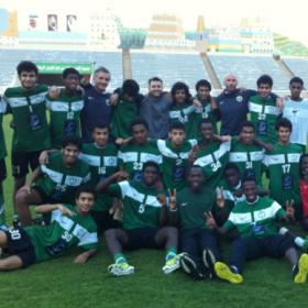 Diez españoles trabajan en el fútbol base de Arabia