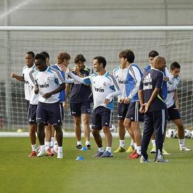 Carvalho se entrenó con el primer equipo 117 días después