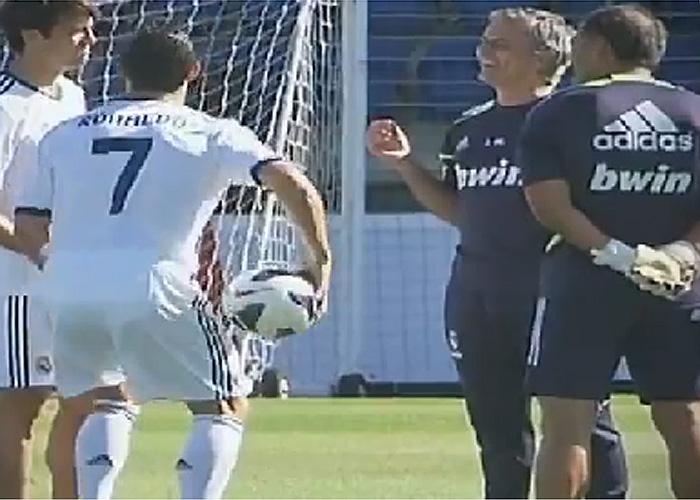 Higuaín y Di María vuelven y el Madrid se hace la foto oficial