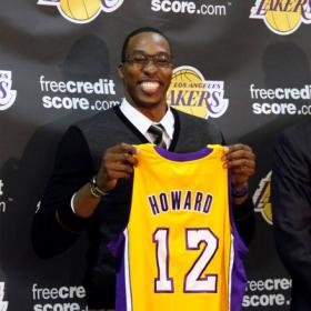 Dwight Howard no arrancará el campamento con los Lakers