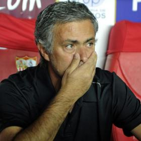 Mourinho: &quot;No tengo equipo&quot;