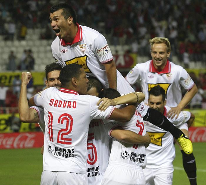 El Sevilla recupera con Míchel la casta y el coraje