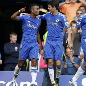 Cole deja líder al Chelsea