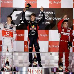 Vettel gana y Alonso es ms lder en Singapur