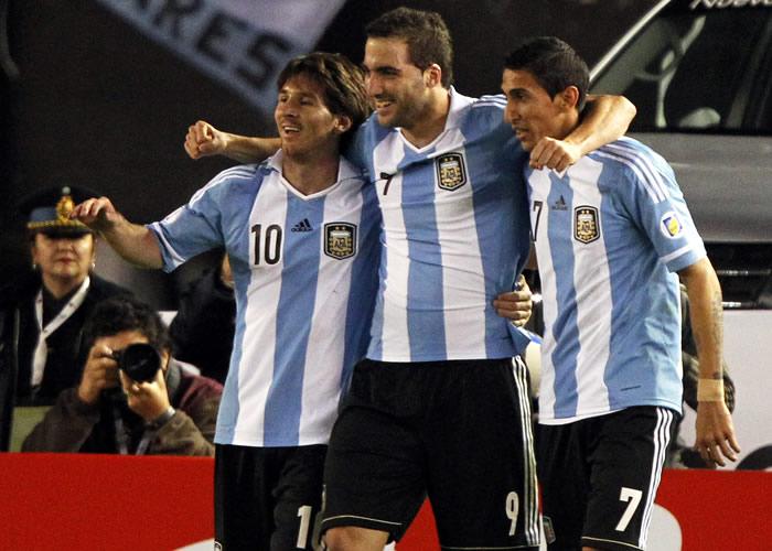 Argentina llama a Messi, Di María, Higuaín, Masche y Gago