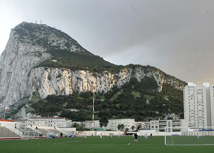 La UEFA admite a Gibraltar como miembro provisional