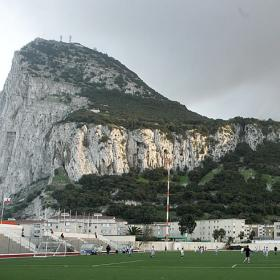 La UEFA admite a Gibraltar como miembro provisional