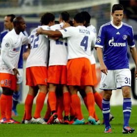 El Montpellier, con diez, le saca un empate al Schalke 04