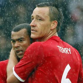 "Ashley Cole llama ""cabrones"" a los que sancionaron a Terry"
