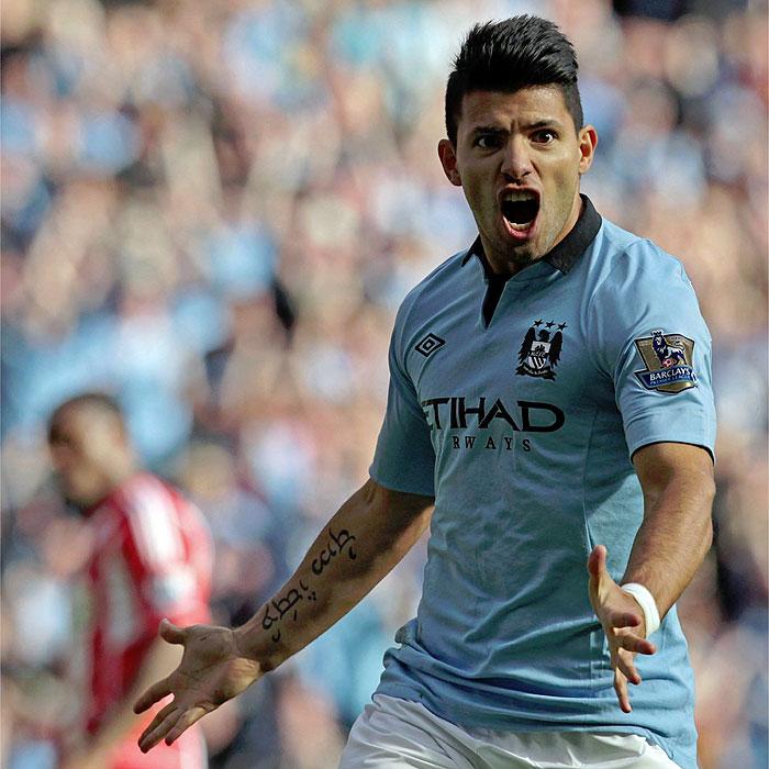 El Manchester City vapulea al Sunderland y acecha el liderato