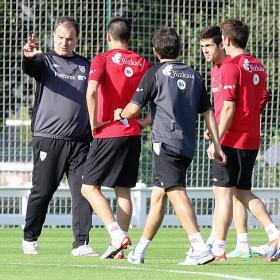 """Bielsa to his players: """"You're premature millionaires"""""""