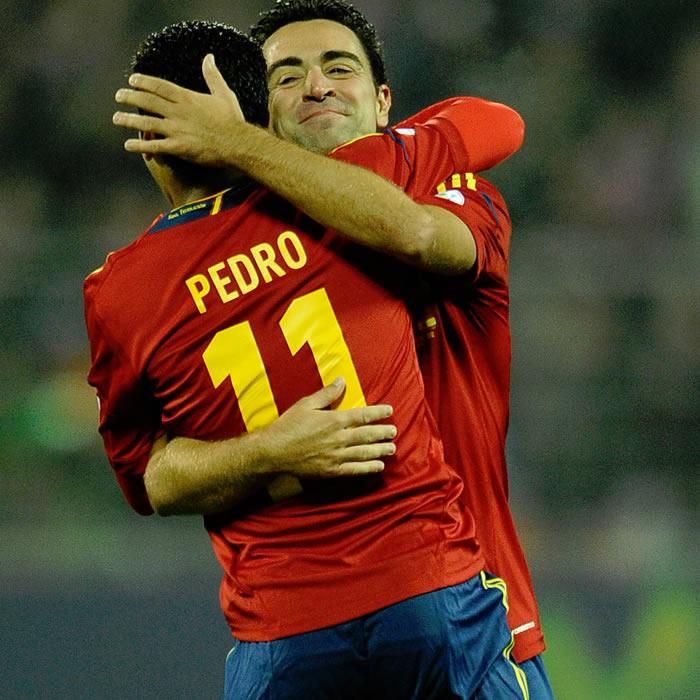 """La prensa mundial se rinde a Pedro: """"Tuvo un día Messi"""""""