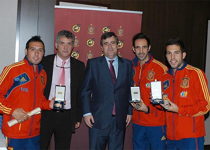 Cazorla, Juanfran y Jordi Alba, Medalla al Mérito Deportivo