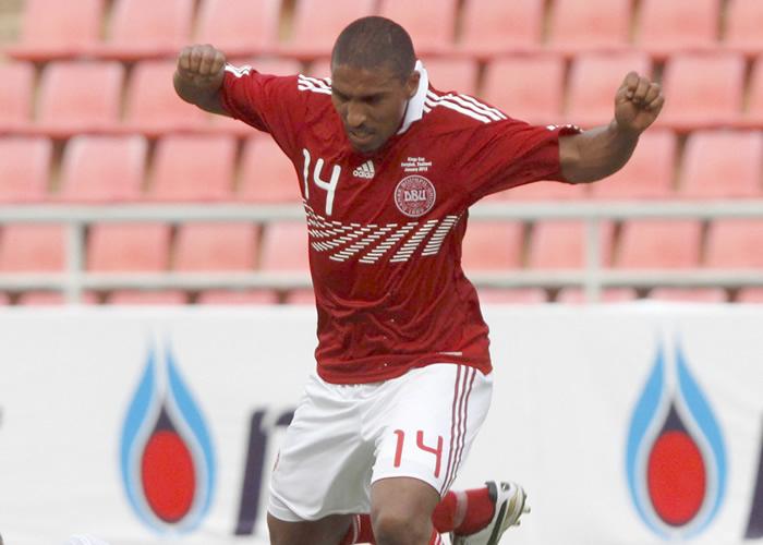 Mtiliga se negó a calentar y no jugará más con Dinamarca