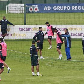 Oltra diseña un plan para frenar el juego de ataque del Barça