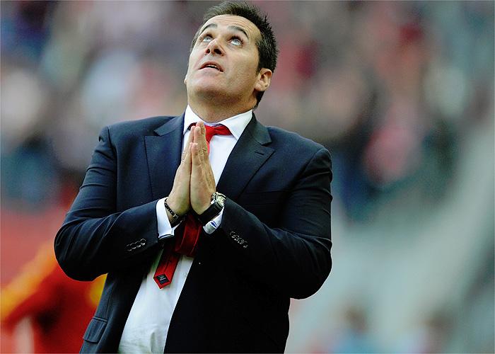 Sandoval reactiva al Sporting que consigue ganar al Almería