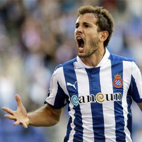 Stuani y Verdú le dan la primera victoria al Espanyol